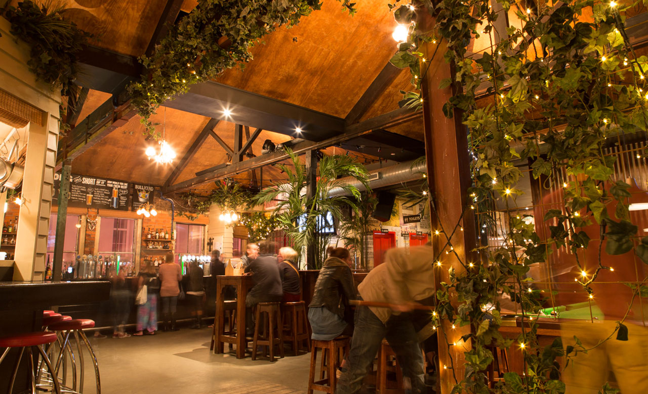 Fort street union auckland review concrete playground for Xi an food bar auckland