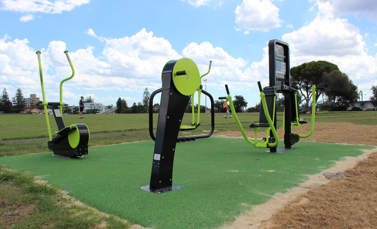 the ten best outdoor gyms in sydney concrete playground sydney. Black Bedroom Furniture Sets. Home Design Ideas